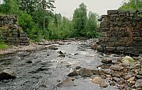 Взорванная плотина в Ууксу