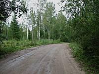За Карбуселем перед спуском к речке есть поворот налево — на Вороново-Поречье