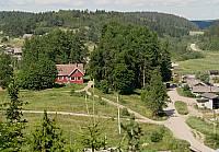 Вид на дом Ларса Сонка с горы Линнавуори